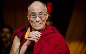 """El Dalai Lama, sobre los atentados de París: """"Esto no se soluciona rezando"""""""