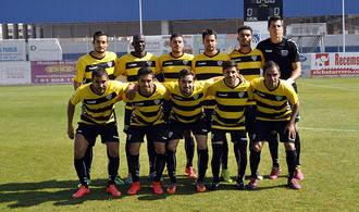 El Dépor suma otros 3 puntos con 10 jugadores frente a La Roda