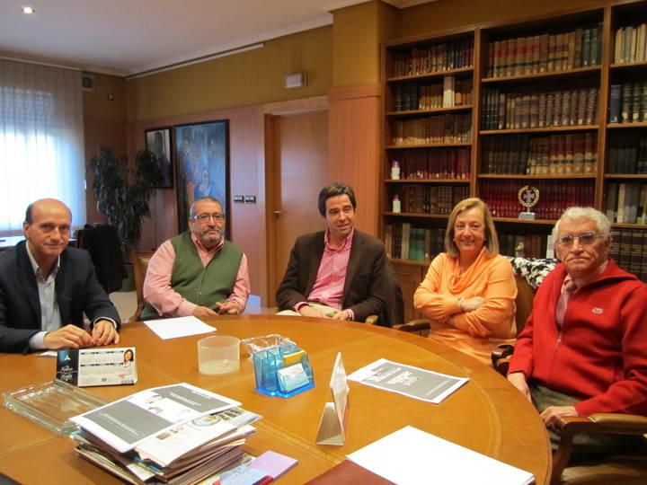 La Ruta Social del PP se reúne con el Colegio de Médicos y el Colegio de Farmacéuticos de Guadalajara