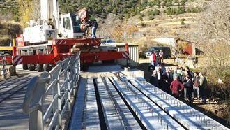 Diputación pone fin al problema de comunicación entre Mochales y Villel ensanchando el puente del río Mesa