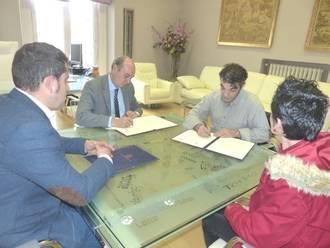 La Diputación reafirma su compromiso de colaboración con los artesanos de la provincia