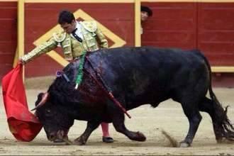 Fernando Lomeña corta una oreja en la feria madrileña de Moralzarzal