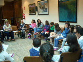 El salón de plenos de Alovera acogió la reunión del Consejo de la Infancia
