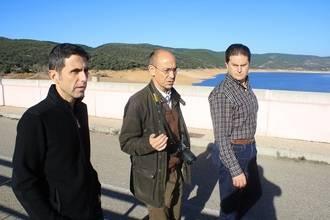 El presidente de la MAS visita con el equipo técnico las presas de Beleña y de El Pozo de los Ramos