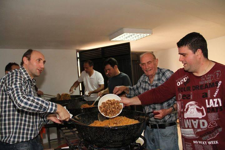 El corazón de Viana de Mondéjar se hace migas en la fiesta de Los Santos