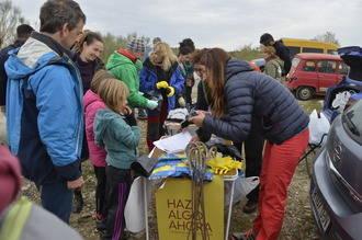 Campaña de limpieza de la escuela de escalada de Patones en Guadalajara