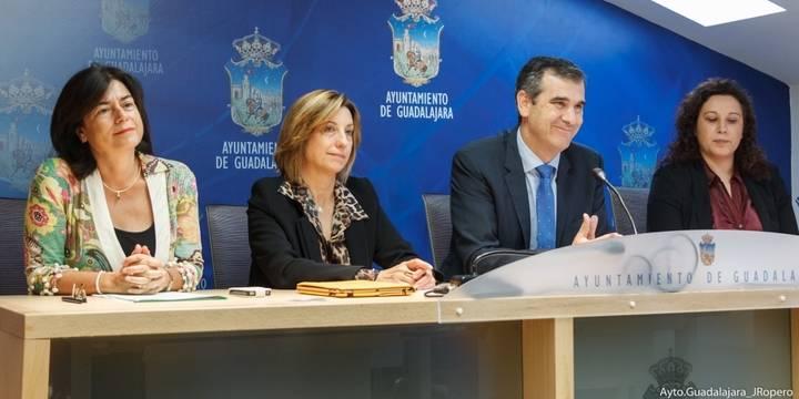 El Ayuntamiento de la capital destinará cerca de 500.000 euros en ayudas de carácter social