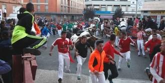 El segundo encierro de las Ferias de Guadalajara deja dos heridos por asta de toro