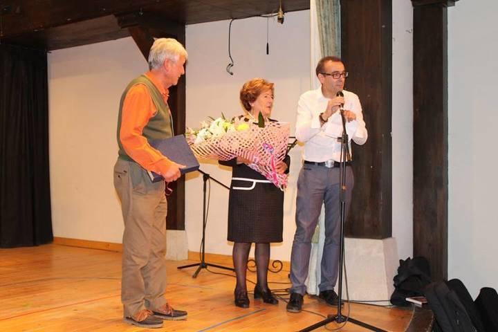Cifuentes homenajea a don Edmundo