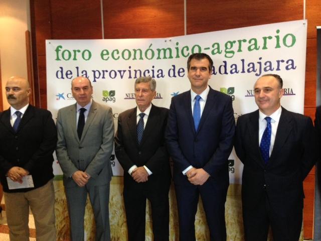 """Román: """"El sector agropecuario es el eje vertebrador del desarrollo rural de Guadalajara"""""""