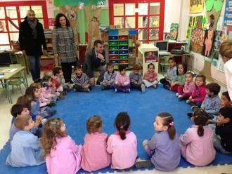 Román felicita la Navidad a los alumnos y personal de la escuela infantil Parchís y del colegio Ocejón
