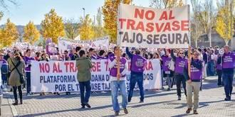Cerca de mil personas se manifiestan en Guadalajara en contra del Trasvase Tajo-Segura