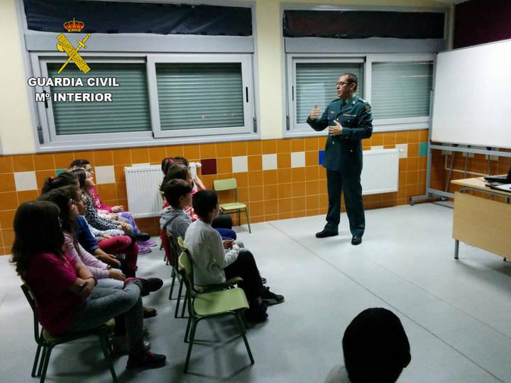La Guardia Civil ha impartido 50 conferencias en centros de enseñanza de Guadalajara durante el pasado trimestre