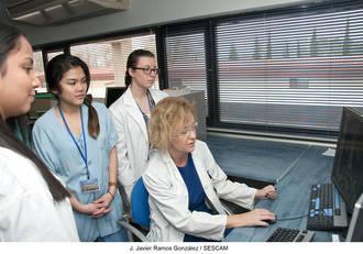 Estudiantes americanos conocen el modelo de sanidad pública en el Hospital de Guadalajara