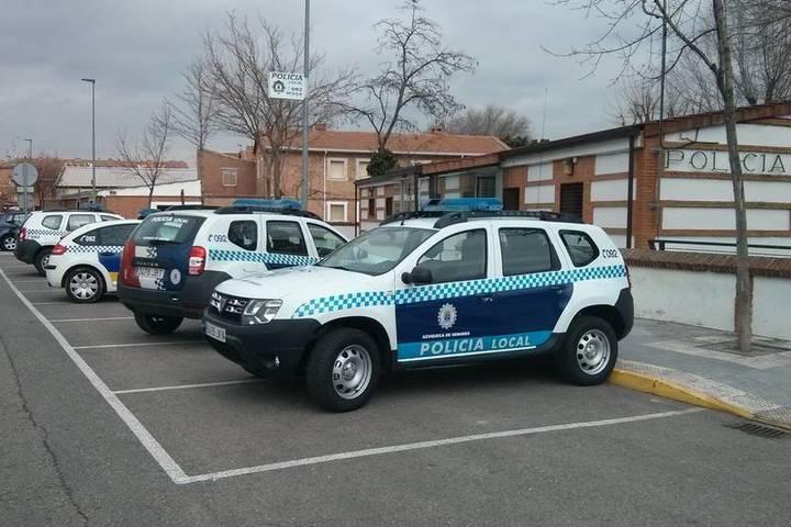 Los policías locales de Azuqueca cuentan con un nuevo vehículo, un Dacia Duster