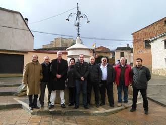 Alberto Rojo visita varios pueblos del valle del Badiel que comparten elementos y necesidades comunes