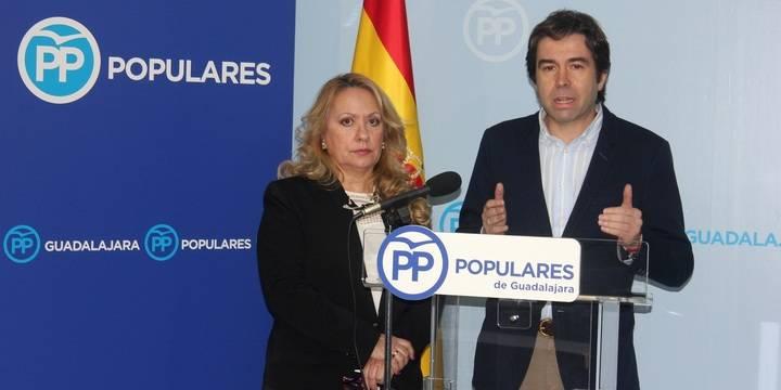 """El PP denuncia el """"pacto inmoral pagado con dinero público"""" entre el alcalde socialista de Azuqueca y un concejal expulsado de Ganemos"""