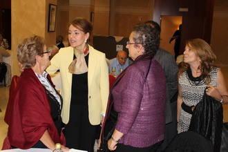 La consejera de Bienestar dice en Guadalajara que las mujeres son el 52 % de las 104.000 personas asociadas a los centros de mayores