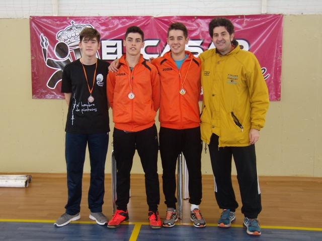 El IV Circuito de Badminton inició su andadura con una animada jornada en El Casar