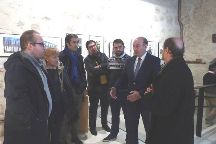 Latre se interesa por las reformas del Museo del Viaje a la Alcarria con motivo del centenario de Cela