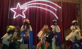 Los Reyes Magos repartieron regalos a los niños pastraneros