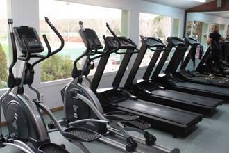 El Polideportivo de Cabanillas estrena nuevas máquinas, material de pesas y fitness