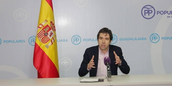 """Robisco sospecha que Page """"no ha presupuestado el convenio sanitario con Madrid"""" y por tanto """"se lo van a cargar"""""""