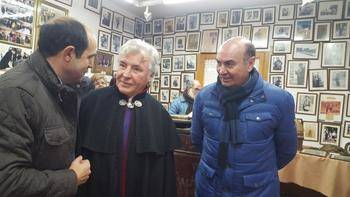 Latre reafirma el compromiso de la Diputación para conservar tradiciones como Su Peso en Miel