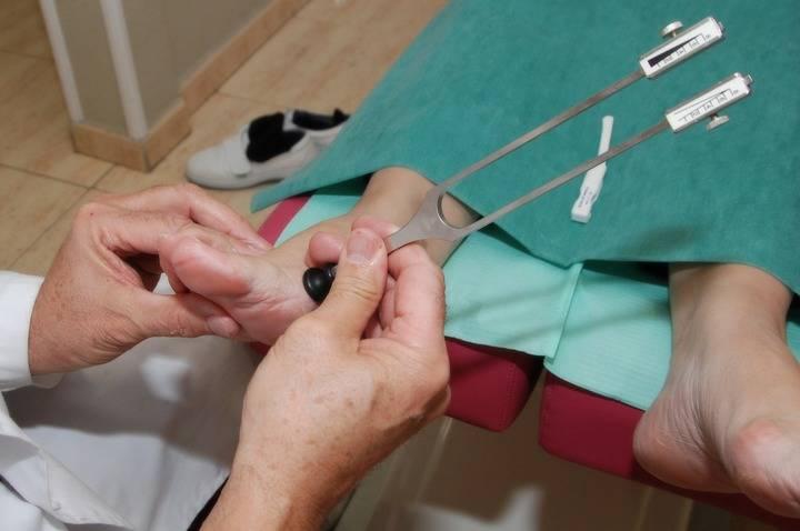 335 guadalajareños recibieron gratuitamente el año pasado tratamiento podológico