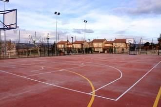 El Ayuntamiento de Almonacid renueva las pistas del Polideportivo Virgen de la Luz