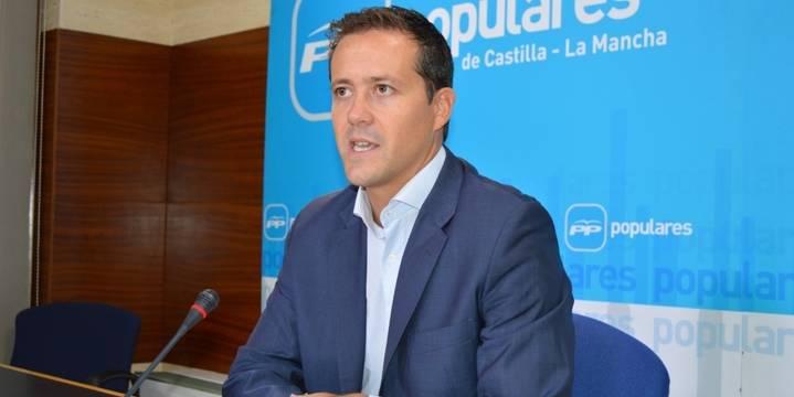 """Velázquez denuncia """"la burla de Page a los ciudadanos afectados por el convenio sanitario"""""""