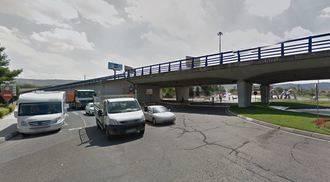 Dos mujeres mayores heridas tras ser atropelladas por un camión en Cuatro Caminos