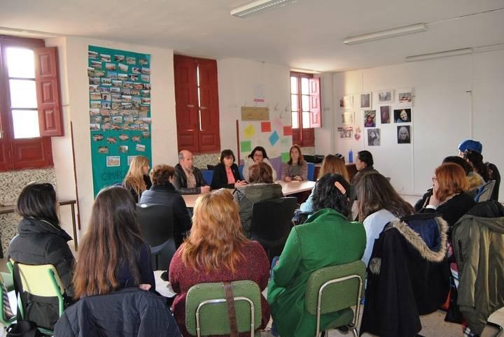 El Instituto de la Mujer promueve en Molina de Aragón un taller de Confianza y Seguridad de las Mujeres en la red