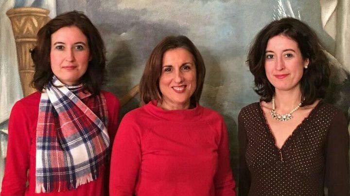 La diputada provincial de Ciudadanos recibe a las historiadoras alcarreñas María y Laura Lara