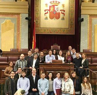 Los jóvenes de NNGG Guadalajara conocen de primera mano el funcionamiento del Congreso y del Senado