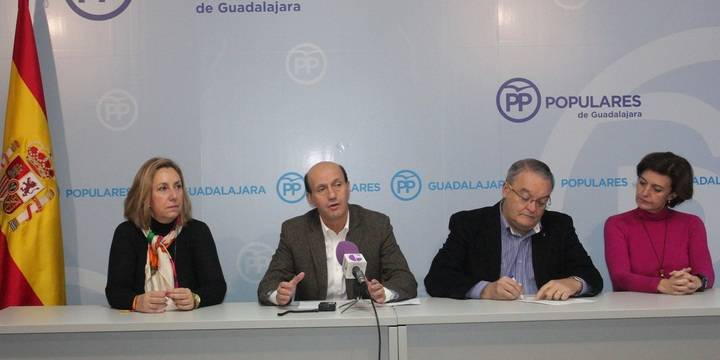 """Los parlamentarios del PP califican como """"inadmisible"""" la cesión de senadores del PSOE a """"secesionistas"""""""