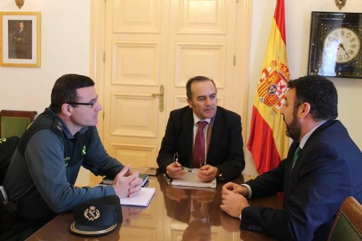 El delegado del Gobierno se reúne con el alcalde de Azuqueca para poner orden en la seguridad de la localidad