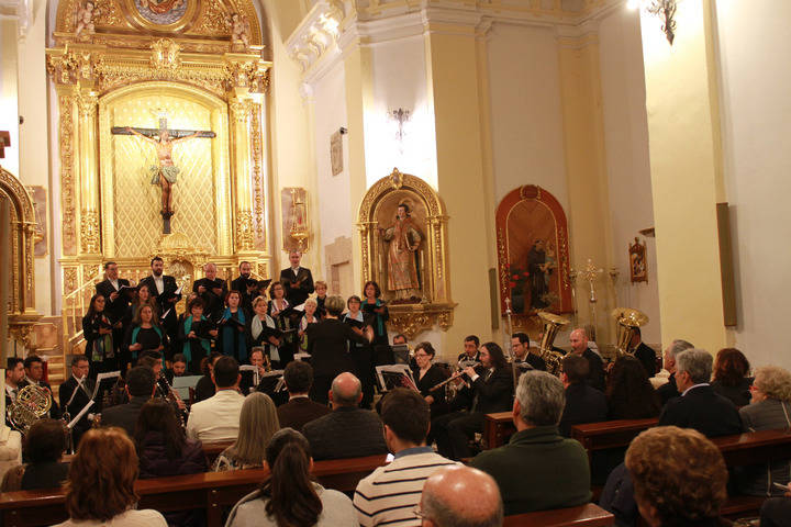 Emotivo Concierto Sacro en la Iglesia de Santa María de La Blanca de Quer