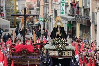 Guadalajara disfruta este Viernes Santo del Encuentro de Ntra. Sra. de la Soledad y de la Procesión del Silencio y Santo Entierro