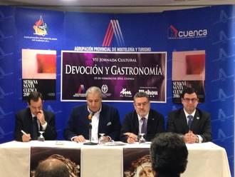 El alcarreño Jesús Orea viajó hasta Cuenca para hablar de la Semana Santa de Guadalajara