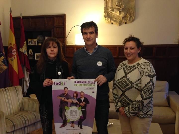 El alcalde se reúne con la Asociación de Enfermedades Raras de Guadalajara