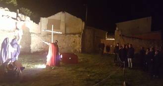 El presidente de la Diputación asiste a la Pasión Viviente de Albalate de Zorita, de Interés Turístico Provincial