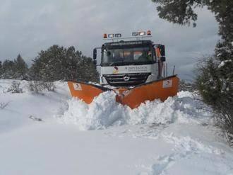 La carretera CM-1005, un tramo de la CM-110 en Alcolea y un tramo de la carretera CM-1106 cerradas al tráfico por nieve