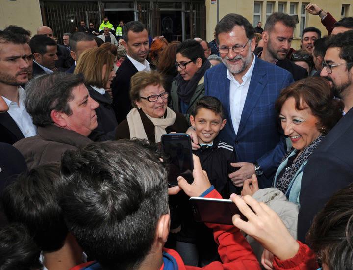 """Rajoy con Cospedal se dan un baño de multitudes en Toledo : """"Voy a seguir luchando por España y el interés de los españoles, no me voy a rendir"""""""