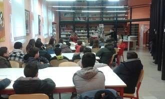 Los alumnos de 1º ESO del IES de Alovera participan en el programa de formación de usuarios de la Biblioteca de Alovera