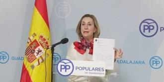 """Valmaña exige a Page que diga a los castellano-manchegos si """"destruir los ahorros de pequeños inversores y trabajadores no es corrupción"""""""