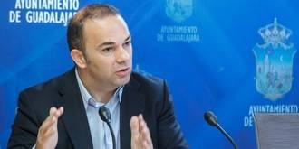 Carnicero denuncia el agravio comparativo de la Junta de Comunidades con los estudiantes de la UAH en Guadalajara