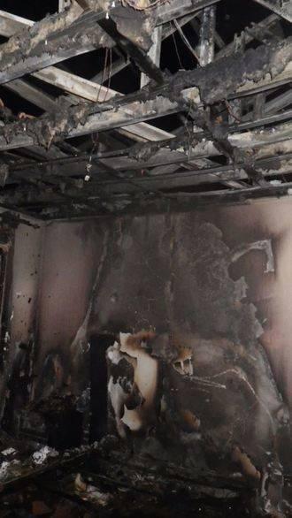 Un incendio obliga a dejar sus casas a dos familias en Guadalajara