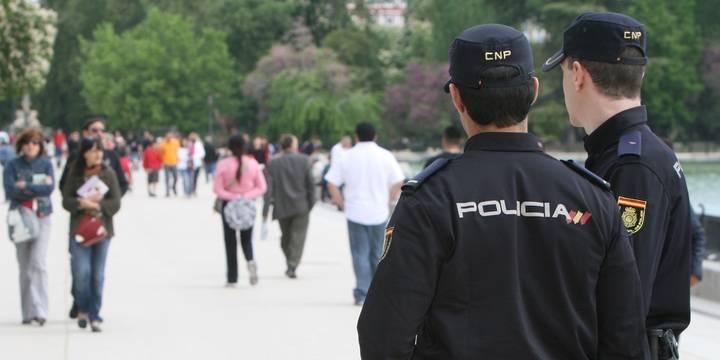 La actuación de un policía fuera de servicio provoca la detención de un ladrón que hizo 22 'tirones' en la capital
