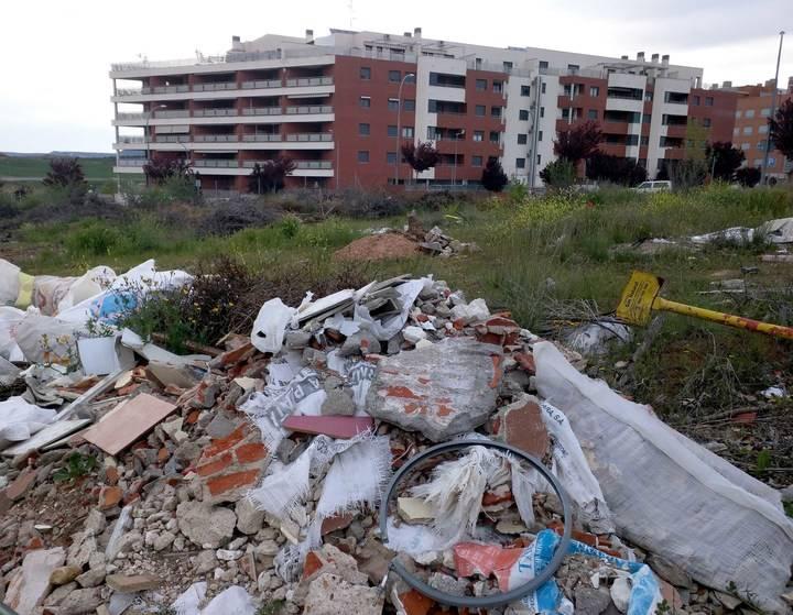 El Ayuntamiento de Guadalajara requiere a propietarios de solares sin edificar que los limpien y los desbrocen